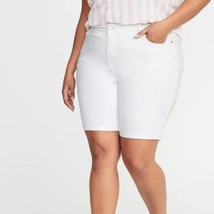 Mid-Rise Secret-Slim Pockets Plus-Size White Jean